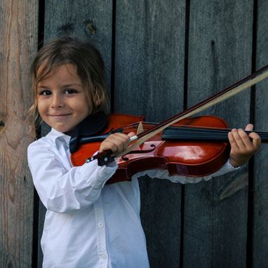 The Stamford Symphony's educational initiatives reach more than 5,000 students in the Fairfield County area each year. We offer programs for kids in all age and ability levels if they are studying music.